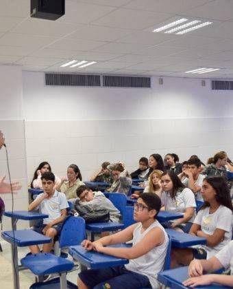 Semana do Livro – Bate papo com autor – Alunos do 7º ano  Ensino Fundamental